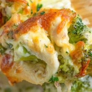 keto cheesy chicken broccoli casserole
